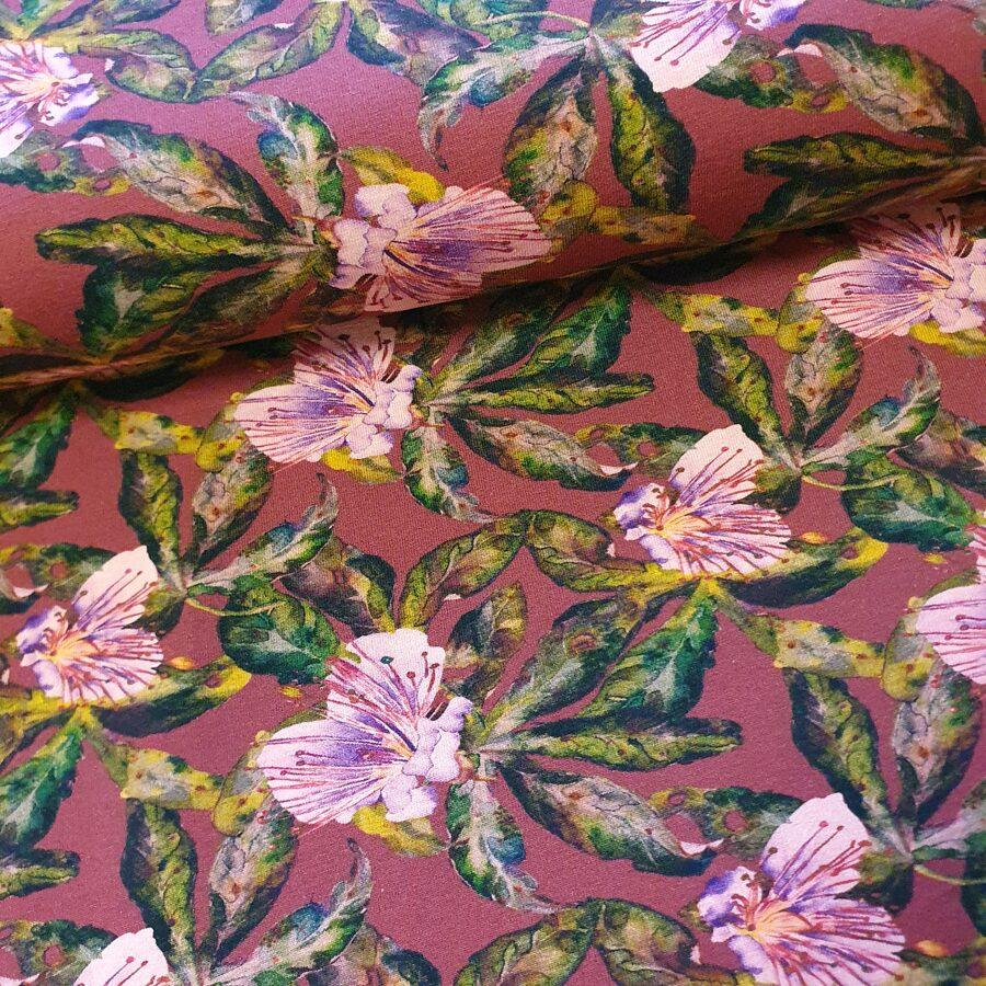 Ziedi uz bordo fona plānā kokvilnas trikotāža