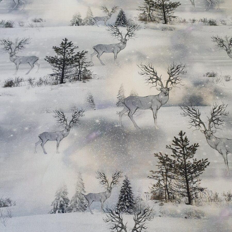 Brieži ziemā cilpiņu trikotāža