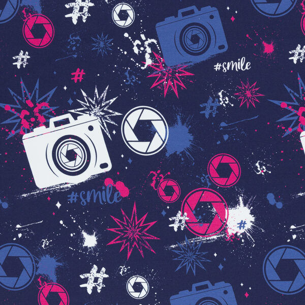 """""""Ielas stils"""" ar foto kamerām, tumši zils fons - cilpiņu trikotāža"""